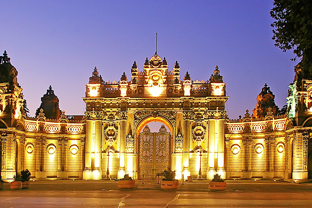 Dolmabahce Palace Istanbul | Sultan Of Bazaar - Online Shopping from Turkey