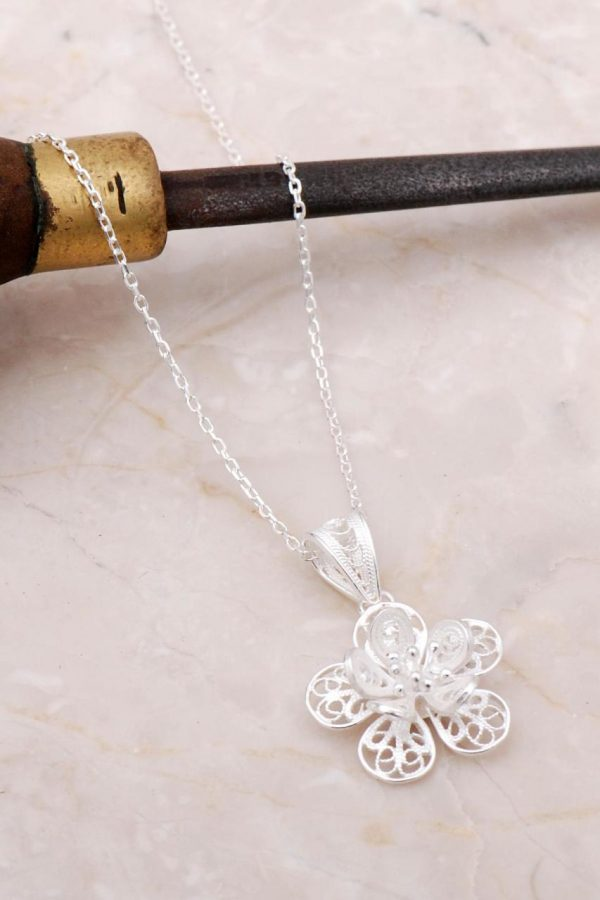 Filigree Engraved Flower Silver Necklace 6891