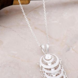 Filigree inlaid sequin silver necklace 6896